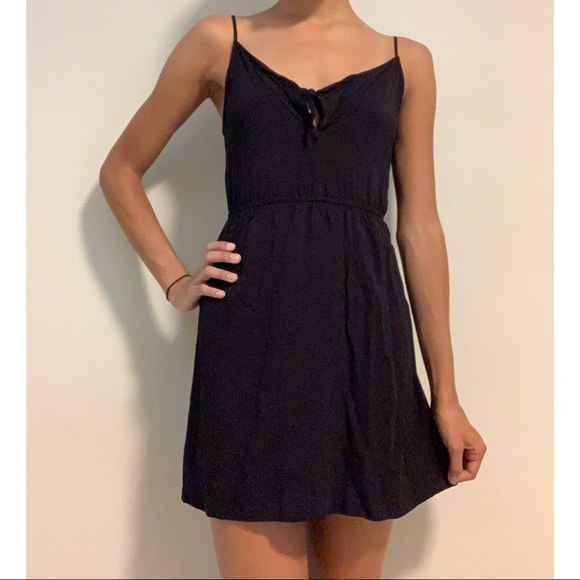 H&M Dresses & Skirts - H&M Black Dress